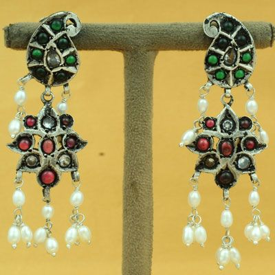 Paisley Designed Sterling Silver Earring With Pearl