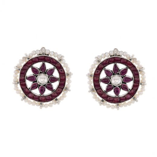 Graceful Floral Styled Kemp Stones Earrings With Pearl