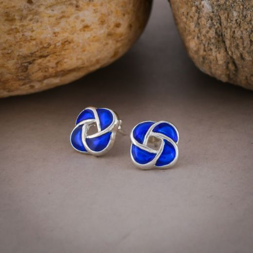 Sterling silver stud in blue color