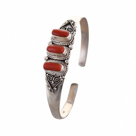 Bangles In Silver In Red Stones