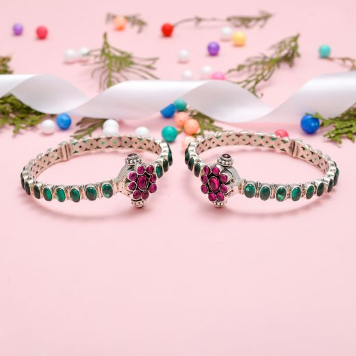 Oval Pattern Stone Pure Silver Bangles With Colored Stone