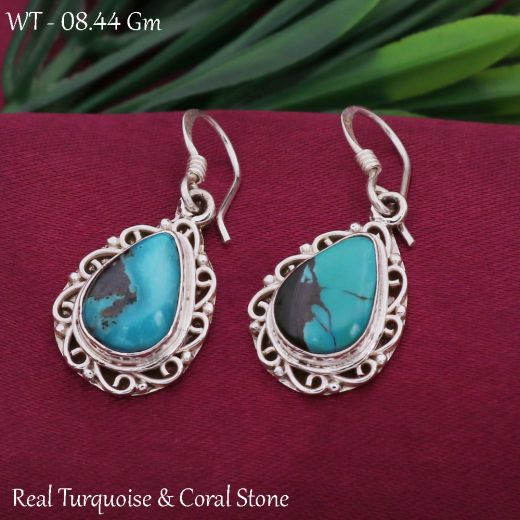 925 Sterling Silver Earrings Oval Shape With Green Stone.