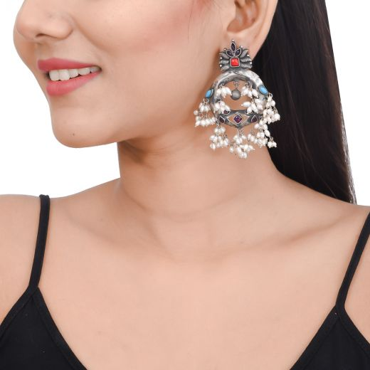 Antique silver earrings with freshwater pearl