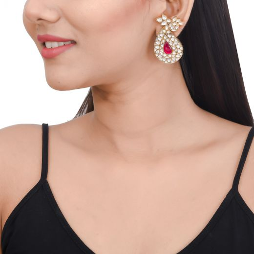 Gold polish silver earrings in paisley design with white stone