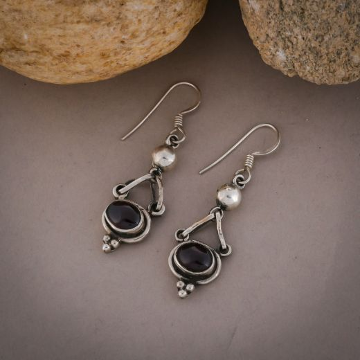 Exquisite design silver earrings with pink stone