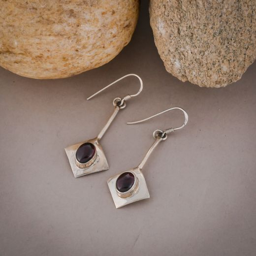 Square shape silver earrings with pink stones