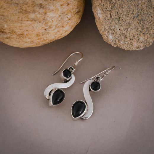 S - shape silver earring with black onyx