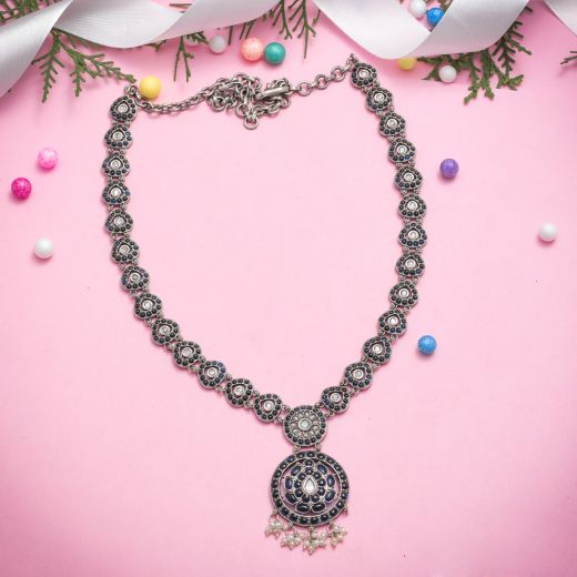 Lightweight Floral Styled Silver Necklace With Imitation Stones