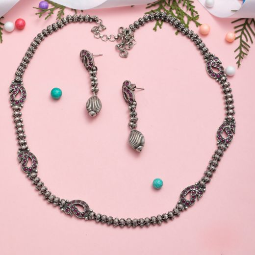 Exquisite Long Silver Lightweight Necklace Set With Imitation Stones