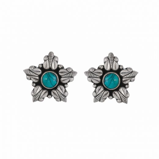 Beautiful pure silver stud with round turquoise stone